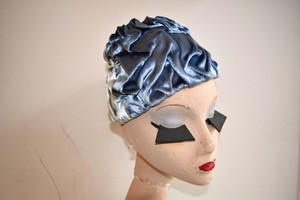 VINTAGE blue velvet gather hat
