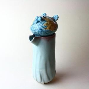 アフリカ帰りの熊のポット /青磁/ 磁器 / ティーポット/陶芸家 / ceramic art / teapot
