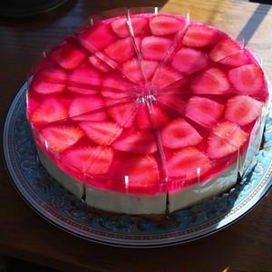 苺とレアチーズケーキ 4号