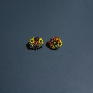 小さなブーケのピアス|ヒカエメ
