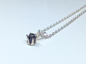 隕石6本爪ネックレス