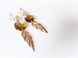 vintage pierced earrins leaves <PE-lvsw>