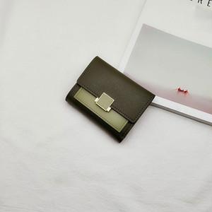 【バッグ】今や定番人気を誇る配色三つ折り財布
