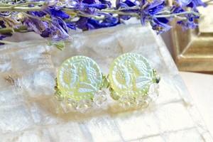 【檸檬】イヤリング チェコガラスボタン ウランガラス