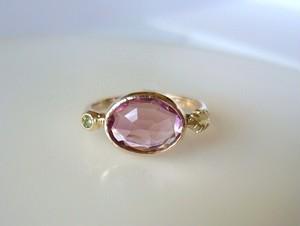 ピンクトルマリンとグリーンサファイアとリーフの指輪
