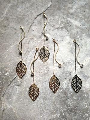 long leaf charm