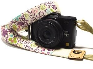 カメラストラップ 3㎝巾 ミラーレス&一眼レフカメラ用 両面 紅型デザイン 反物 小花 ピンク