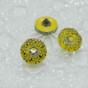 【チェコガラスボタン】花の輪・イエロー ::: 特小1.4cm