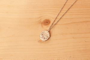 fragment / necklace / circle