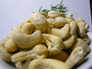 Hearty Cashew Nuts  カンボジア産100g