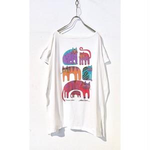"""""""Laurel Burch"""" Cat Family Print T Shirt / ローレルバーチカラフルねこTシャツ"""