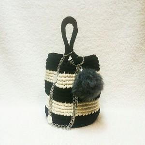 バケツ型チェーンバッグ