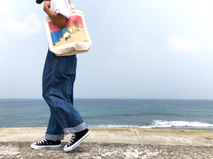 「Live Love Laugh and be Happy」 TOTE BAG(レギュラートートバック)