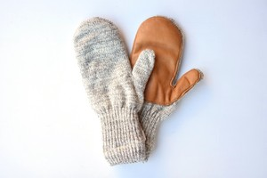 【NEW BERRY KNITTING】WOOL MITTEN - OATMEAL