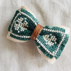 wakemiki/刺繍リボンブローチ B