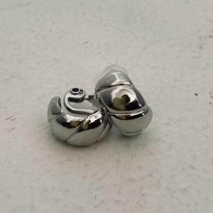 Ouca 耳の痛くならないイヤリング シルバーC型