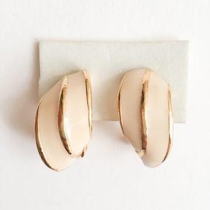cream enamel earring[e-957]