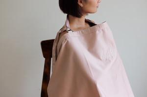 【7/12(日)20時より再販決定】baby ロゴ入り授乳ケープ PINK