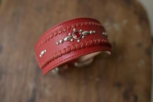 赤い牛革を使った幅広イタグレ首輪(スタッズ)