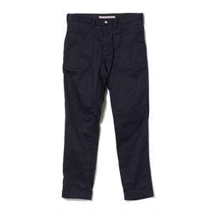 White mountaineering / STRECHED TAPERED PANTS[NAVY]