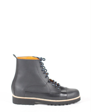 Deux Souliers (MEN) - Oxford Boot #1 All Black レースアップ・ショートブーツ (ブラック) 【スペイン】【靴】【シューズ】【インポート】【VOGUE】