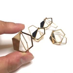 立体的六角形チャーム