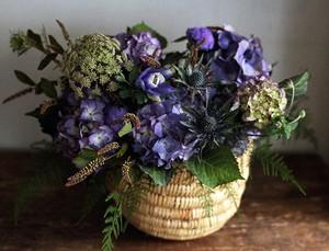 花屋西別府商店の紫陽花のアレンジメント