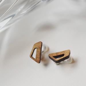 trapezoid / 台形(Pierced Earring)