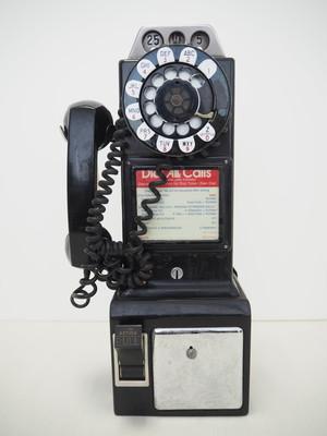品番2946 公衆電話 / Pay Phone