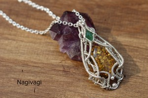 Amber & Emerald silver925 wirerapping pendant