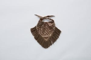【21SS】eLfinFolk(エルフィンフォルク)QiLIin bib (brown)スタイ ビブ