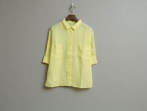 リネンシャンブレーの五分袖シャツ