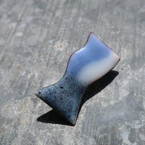 PEKI!RARIGON 架空の建物のブローチ (青×グレー)