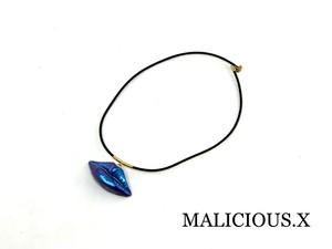 lip necklace / metallic blue