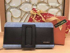 MOUSSY(マウジー) バックルシリーズ ラウンドファスナー長財布