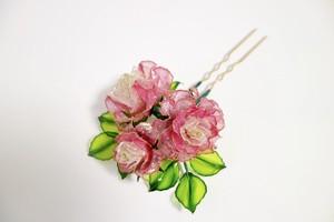ピンクのバラの簪