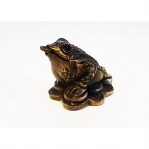 柘植木彫蛙 根付けトップ 三本足金カエル kkn-1702
