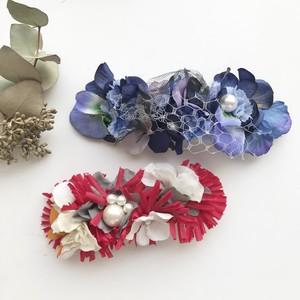布花のヘッドアクセサリー