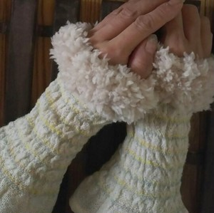 ファー付き カシミヤ手織りアームウォーマー  F46