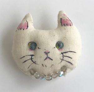 ふわふわ子猫ブローチ