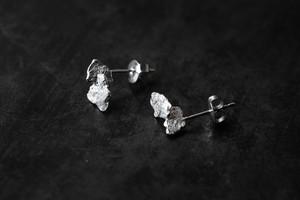 小さな落ち葉のピアス(silver)