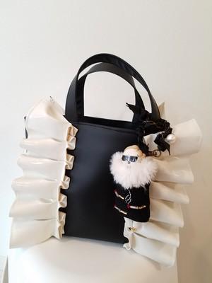 mimi☆フリルトートバッグ☆合皮ブラック×ホワイト☆マチS