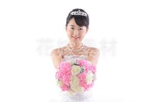 【0125】ブーケを持つ花嫁