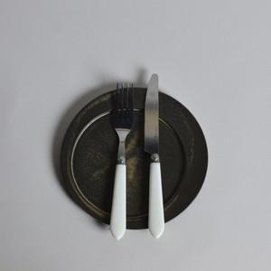 rpm / ズレた丸プレート 【中】 こげ茶〈陶器 / 食器 / お皿 〉