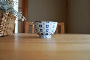砥部焼/お茶碗/四角と丸/皐月窯