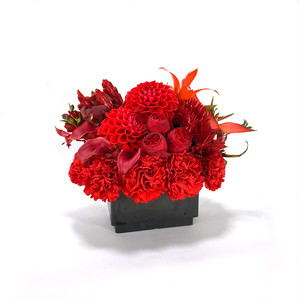 Ivre Mother's Day Flower Gift - red arrangement Size:Small