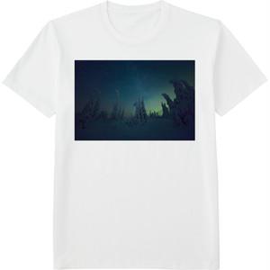 96.Finland100 Tシャツ / 樹氷と星とオーロラと