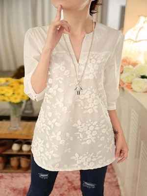 【tops】Fashion V-neck embroidered fashion shirt