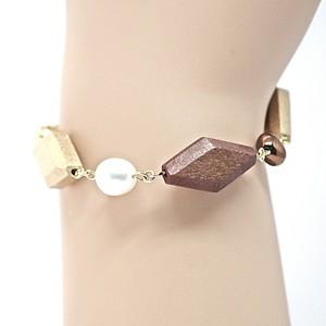 人魚の涙(あこや本真珠)とウッドビーズのデザインブレスレット