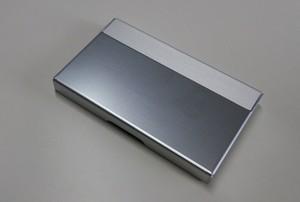 アルミニウム製名刺カード入れ シルバー色